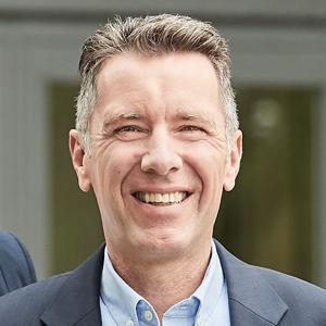 Dr. Wolfram_von_Schneyder
